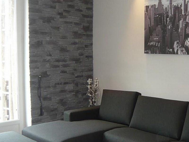 Pareti Con Piastrelle Effetto Pietra: Chiudi cucina con parete in pietra decorare pareti interne.